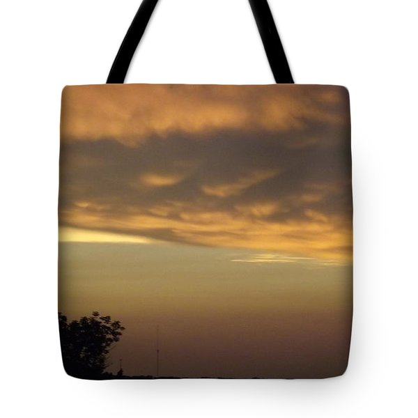 Gold Sky Over Lake Of The Ozarks Tote Bag by Don Koester