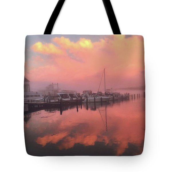 Gorgeous Sunset Over The #potomac This Tote Bag
