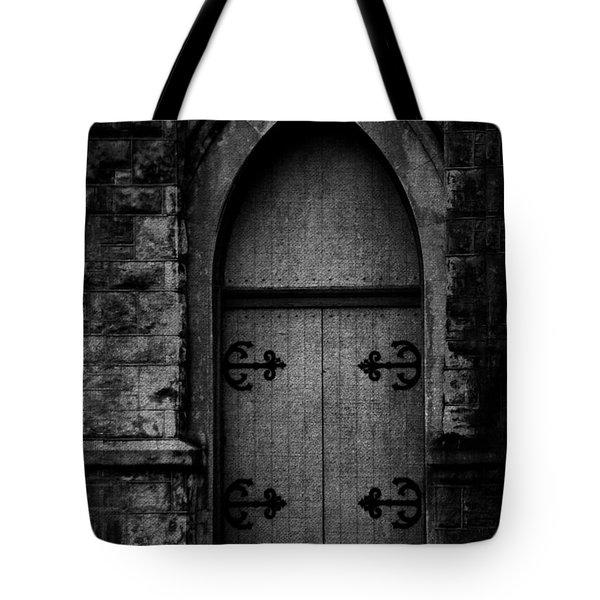 Gothic Door Memphis Church Bw Tote Bag