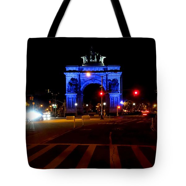 Tote Bag featuring the photograph Grand Army Plaza At Night Brooklyn Ny by Diane Lent