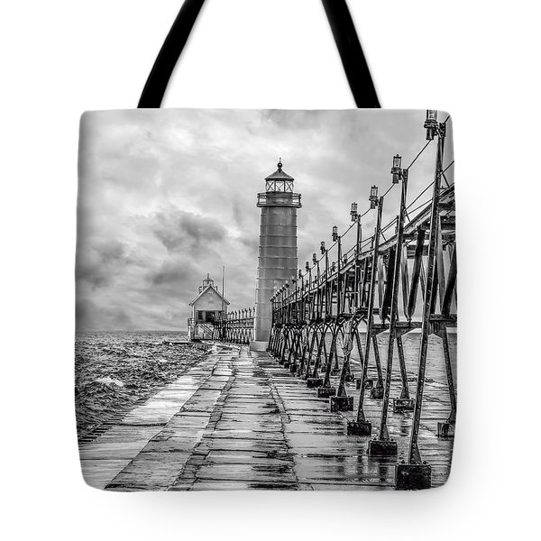 Grand Haven Lighthouse - Monochome Tote Bag