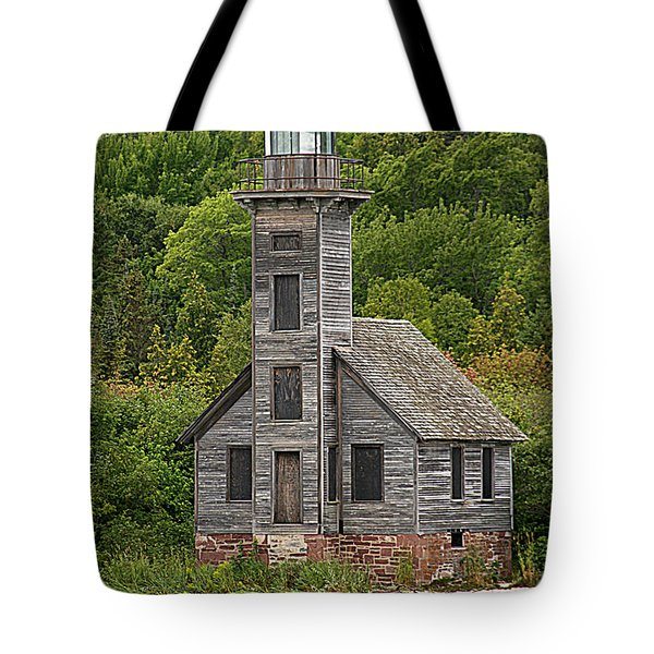 Tote Bag featuring the photograph Grand Island East Channel Lighthouse #6664 by Mark J Seefeldt