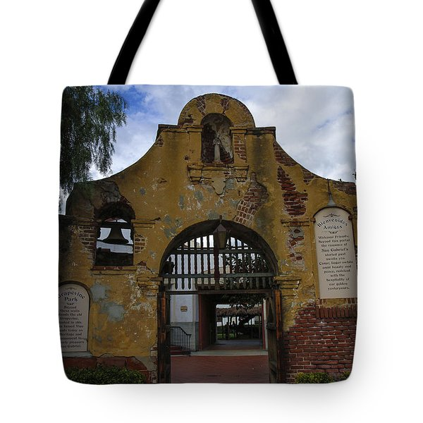 Tote Bag featuring the photograph Grapevine Park by Robert Hebert