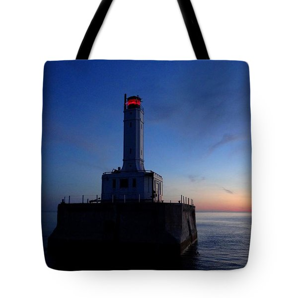 Grays Reef Lighthouse At Dusk Tote Bag