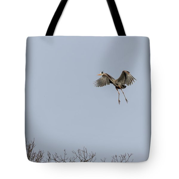 Tote Bag featuring the photograph Great Blue Heron 2015-14 by Thomas Young