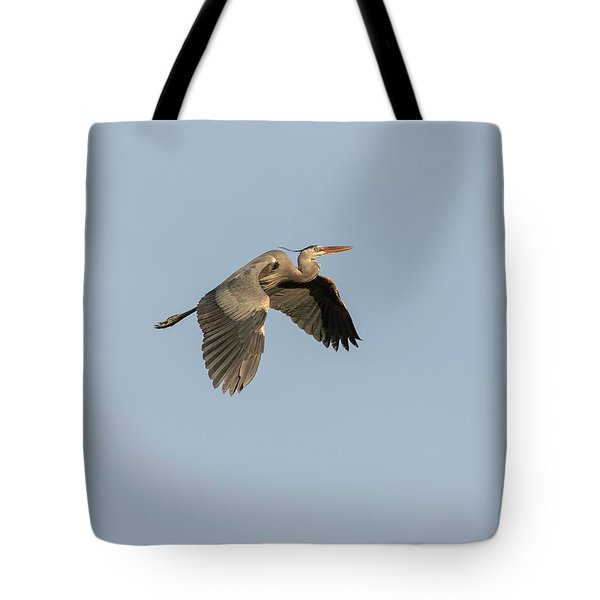 Tote Bag featuring the photograph Great Blue Heron 2015-15 by Thomas Young