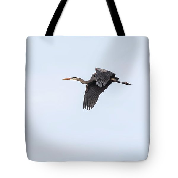 Tote Bag featuring the photograph Great Blue Heron 2017-1 by Thomas Young
