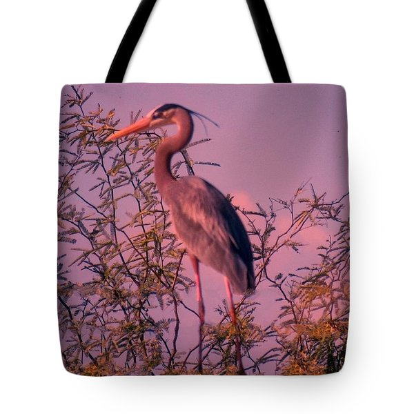 Great Blue Heron - Artistic 6 Tote Bag