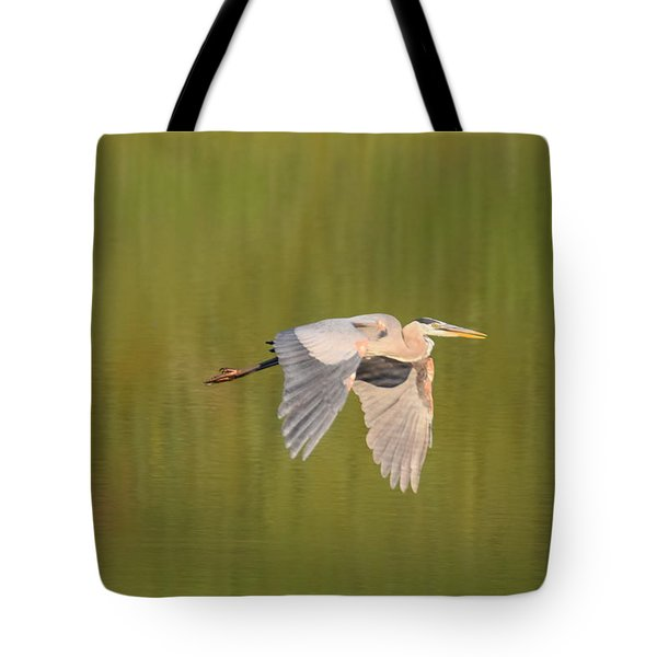 Tote Bag featuring the photograph Geat Blue Heron Burgess Res Divide Co by Margarethe Binkley