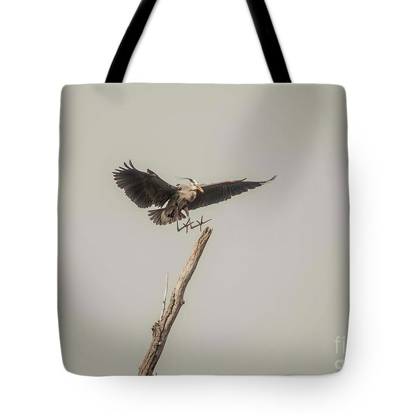 Tote Bag featuring the photograph Great Blue Heron Landing by David Bearden