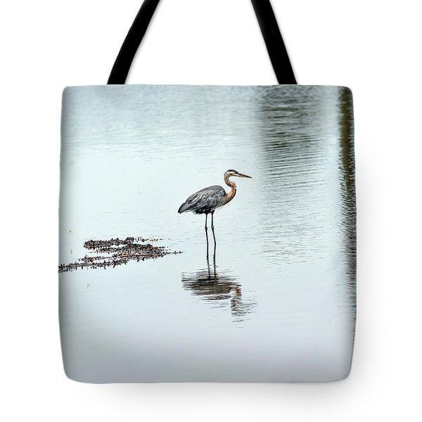 Great Blue Heron On Chesapeake Bay Pond Tote Bag