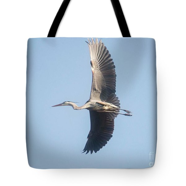 Tote Bag featuring the photograph Great Blue On Final by David Bearden