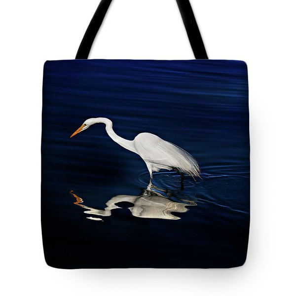 Great Egret-self Reflections Tote Bag