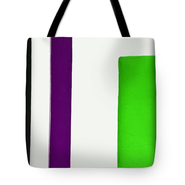 Green To The Right Tote Bag