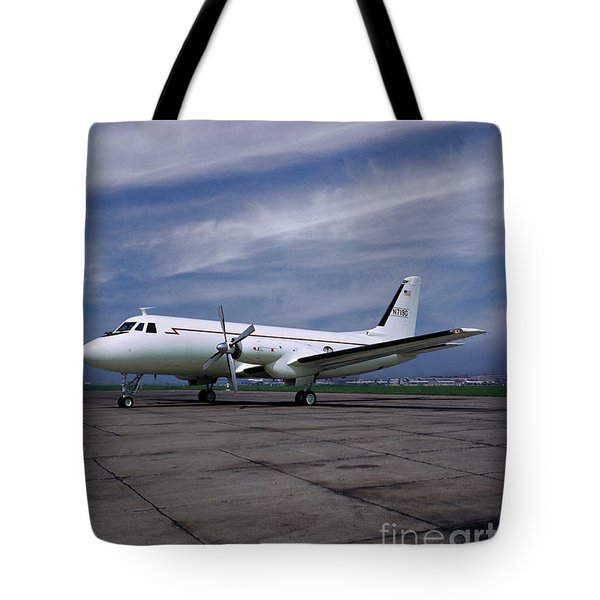 Grumman G-159 Gulfstream Patiently Waits, N719g Tote Bag