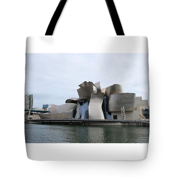 Guggenheim Museum. Bilbao Tote Bag