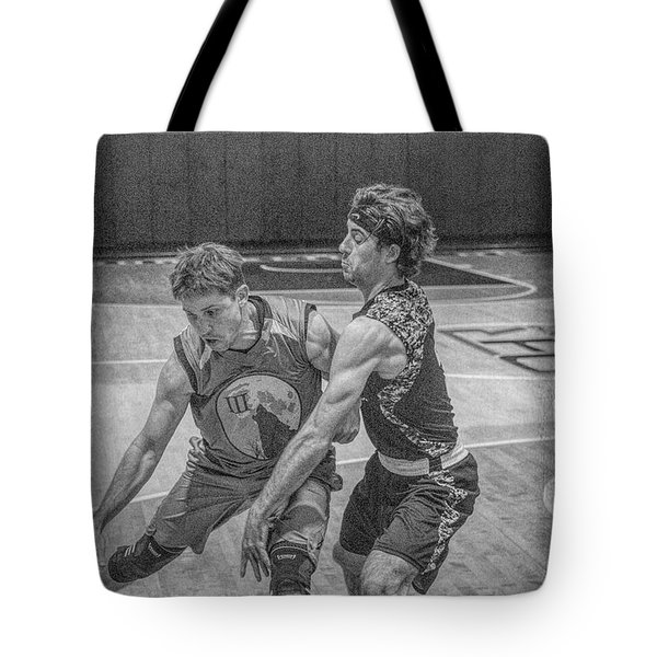 Tote Bag featuring the photograph Hamlin Holding Off Blaney by Ronald Santini