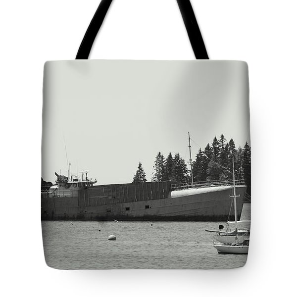 Harbor Vessels Tote Bag