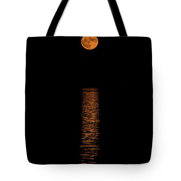 Tote Bag featuring the photograph Harvest Moonrise by Paul Freidlund