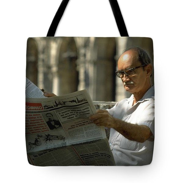 Tote Bag featuring the photograph Havana by Travel Pics