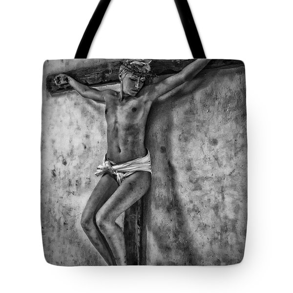 Hdr Crucifix In Black And White Tote Bag
