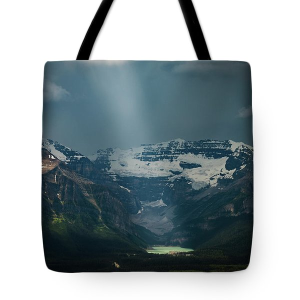 Tote Bag featuring the photograph Heavenly Lake Louise by William Lee