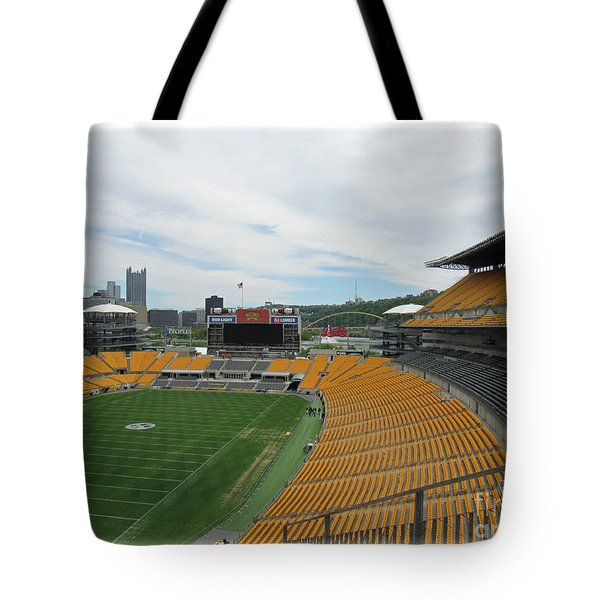 Heinz Stadium With Pittsburgh Skyline Tote Bag
