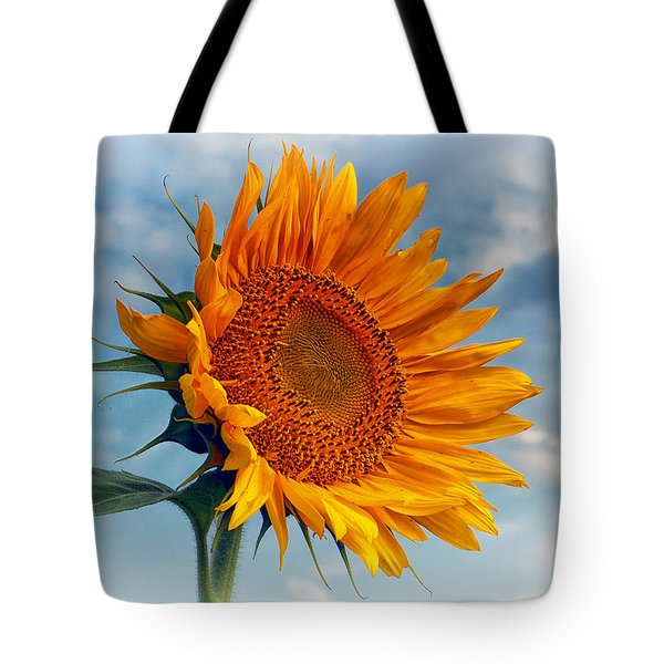 Helianthus Annuus Greeting The Sun Tote Bag