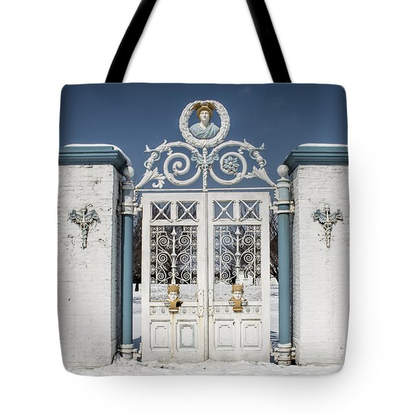 Helis Stock Farm Gate Tote Bag