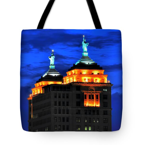Hello Goodbye In Stormy Skies Atop The Liberty Building Tote Bag