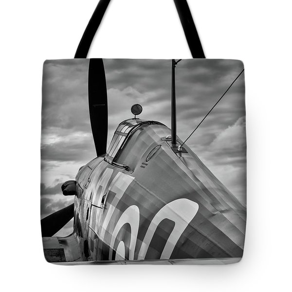 Hero Of Britain Tote Bag