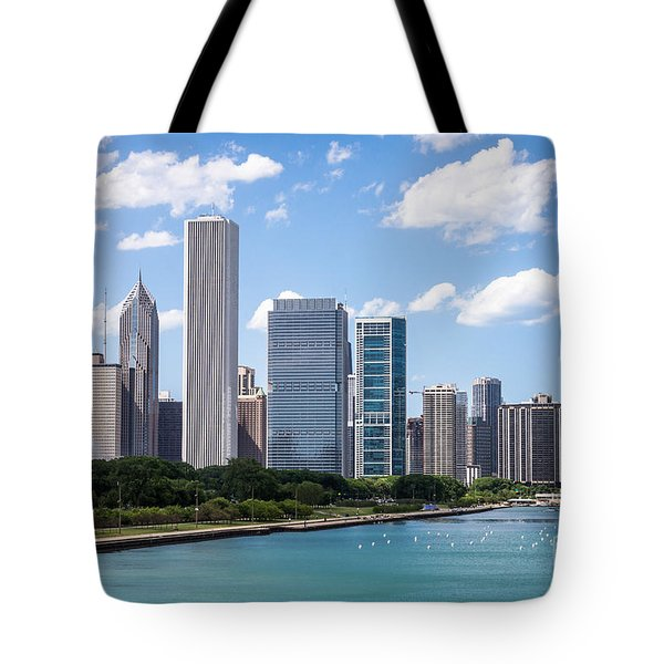 Hi-res Picture Of Chicago Skyline And Lake Michigan Tote Bag by Paul Velgos