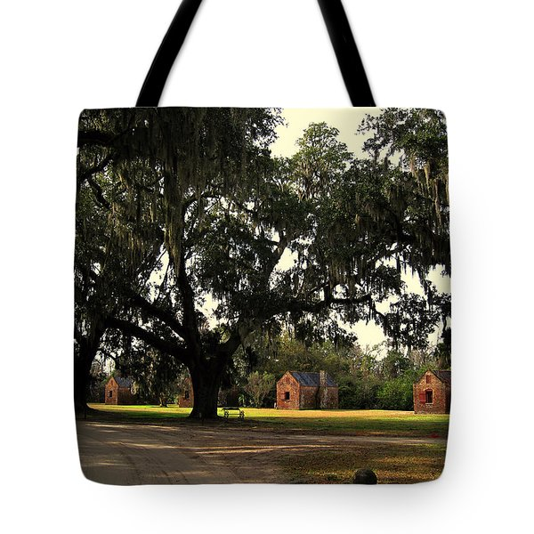 Historic Slave Houses At Boone Hall Plantation In Sc Tote Bag