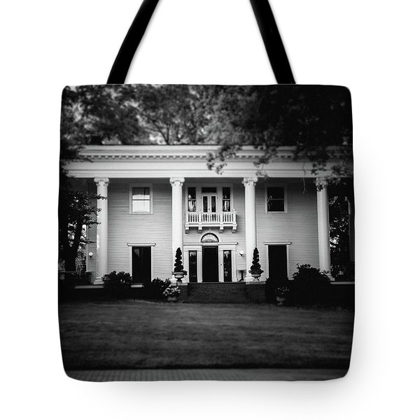Tote Bag featuring the photograph Historic Southern Home by Doug Camara