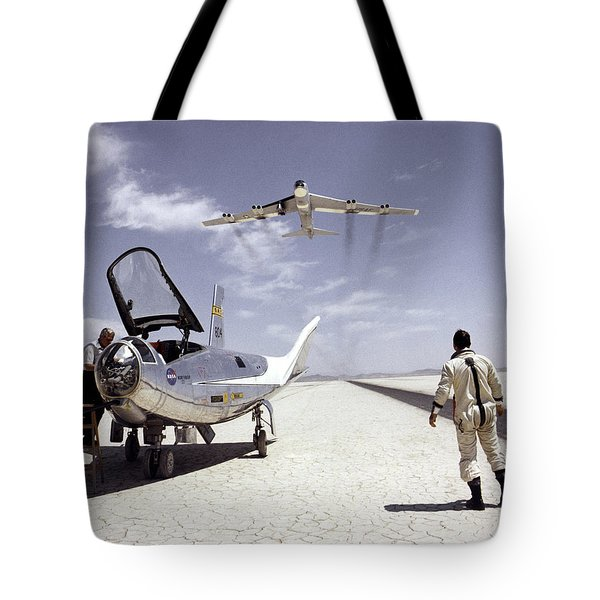 Hl-10 On Lakebed With B-52 Flyby Tote Bag