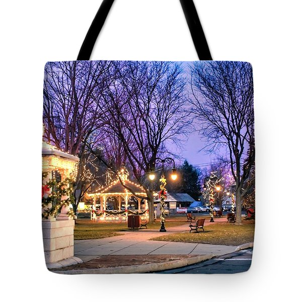 Tote Bag featuring the photograph Holiday Lights In Easthampton by Sven Kielhorn