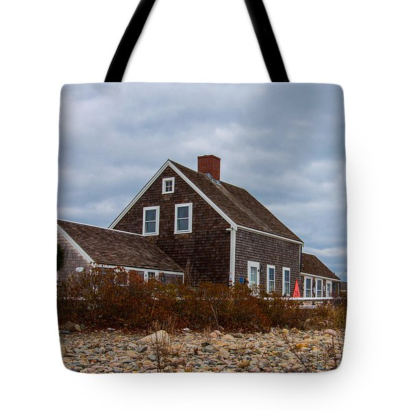 Holiday Wreath On The Lighthouse Tote Bag