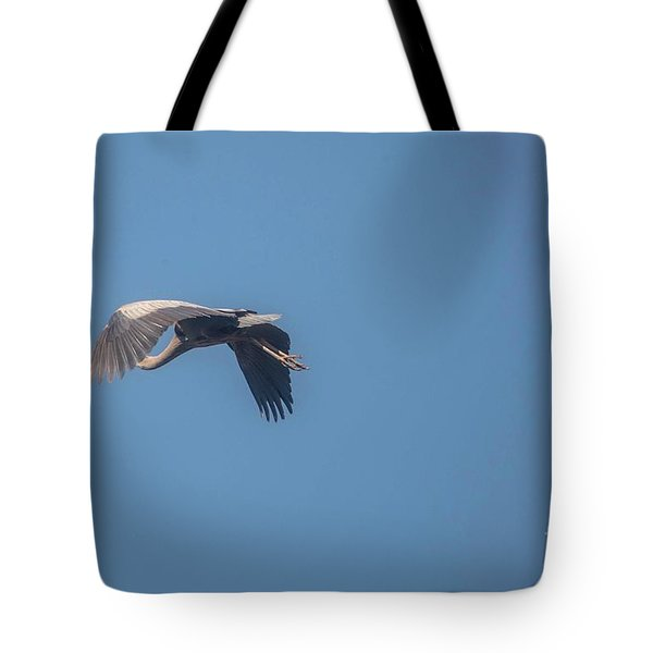 Tote Bag featuring the photograph Homing Home by David Bearden