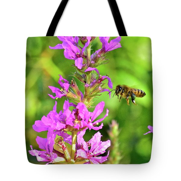 Honey Bee In Flight Tote Bag