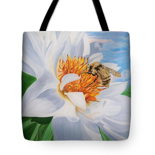 Honey Bee On White Flower Tote Bag