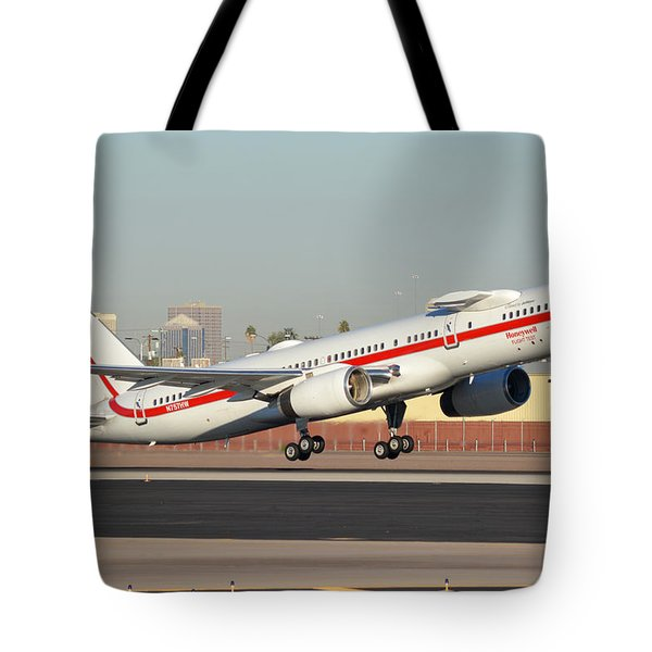 Honeywell Boeing 757-225 N757hw Phoenix Sky Harbor January 14, 2016 Tote Bag