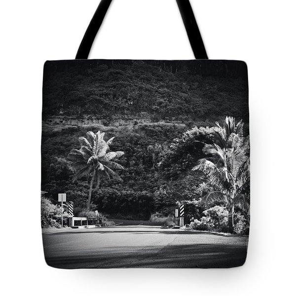 Tote Bag featuring the photograph Honokohau Maui Hawaii by Sharon Mau