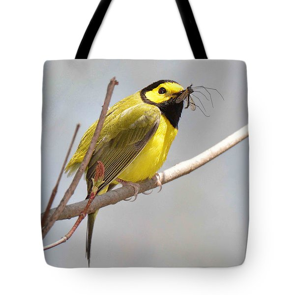 Hooded Warbler With Bug Tote Bag