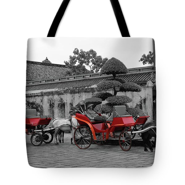 Horses And Carriages Tote Bag