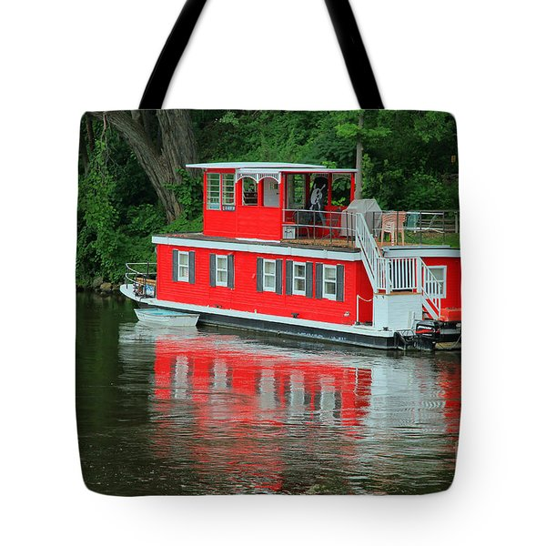 Houseboat On The Mississippi River Tote Bag