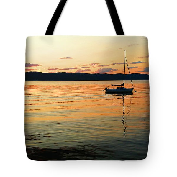 Hudson River From Irvington In Westchester County Tote Bag