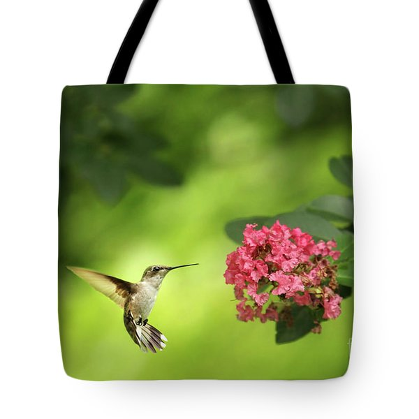 Hummer In Flight Tote Bag