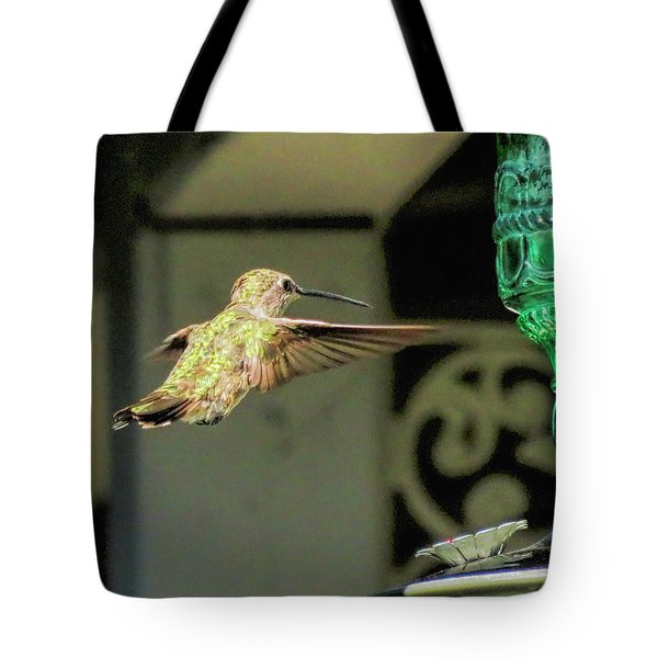 Hummingbird Coming In Tote Bag