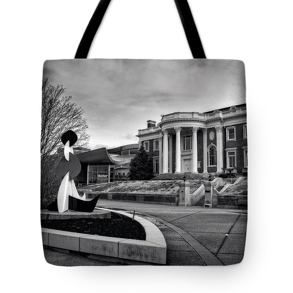 Hunter Mansion In Black And White Tote Bag