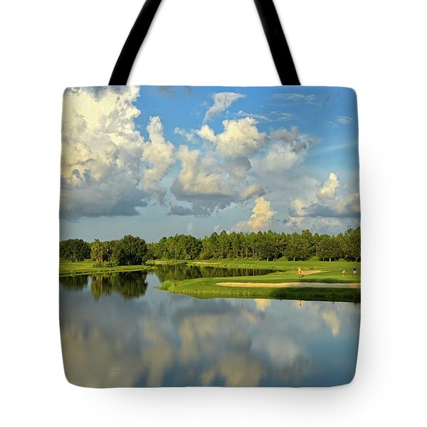 Hunter's Green Hole 18 Tote Bag